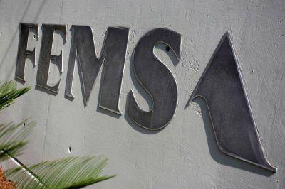 Moody's y Fitch asignan notas a emisión de bonos de mexicana Coca-Cola FEMSA
