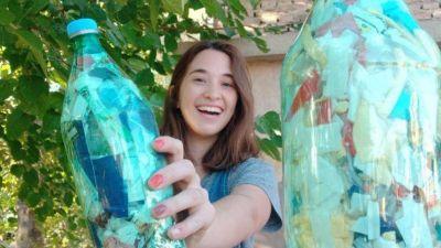 El boom de las Botellas de Amor: la iniciativa para reciclar plásticos