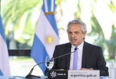Los Fernández, las telcos y el riesgo de actuar al margen de la crisis