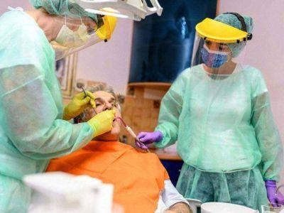 Los odontólogos contra las obras sociales por los aranceles
