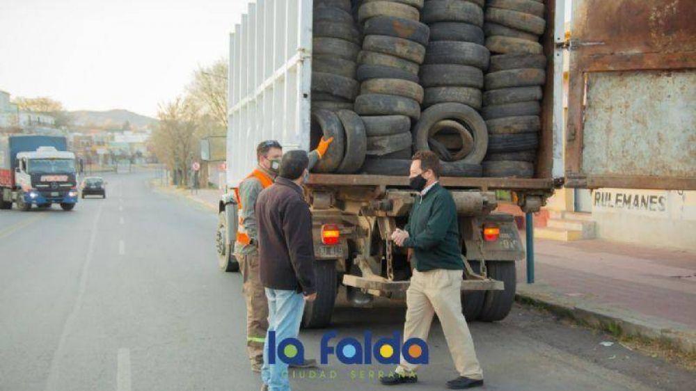 La Falda envió hoy 800 neumáticos para su reciclado