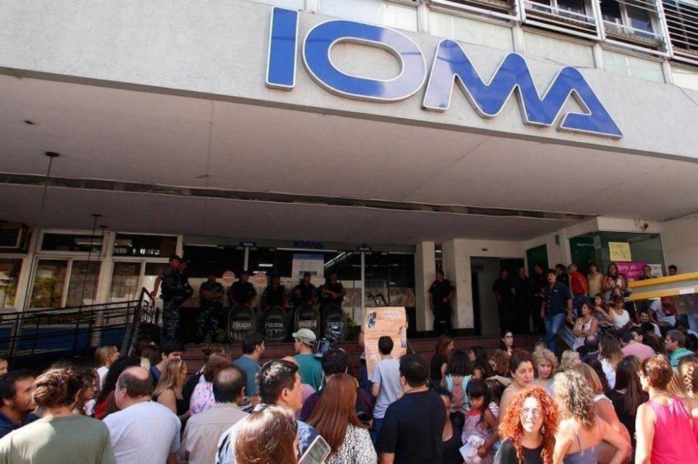 Lejos de un acuerdo, recrudece el conflicto entre el IOMA y los médicos platenses