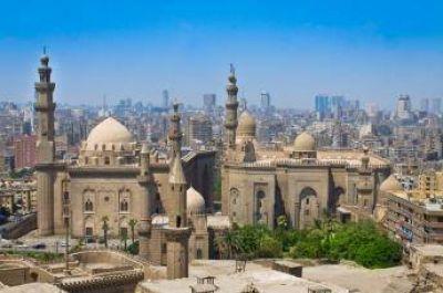 Los egipcios vuelven a las mezquitas para la oración colectiva del viernes