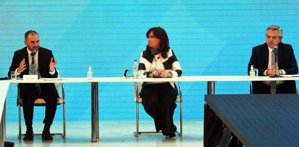 El regreso de Cristina Kirchner a la Casa Rosada: pocas palabras, guiños a Martín Guzmán y ningún aplauso
