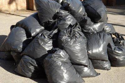 La Municipalidad solicitó a los vecinos que desinfecten las bolsas de residuos