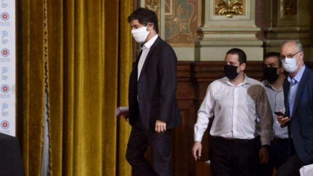 Desbordado por la pandemia, Kicillof gastará 53 millones en 200 camas de terapia intensiva