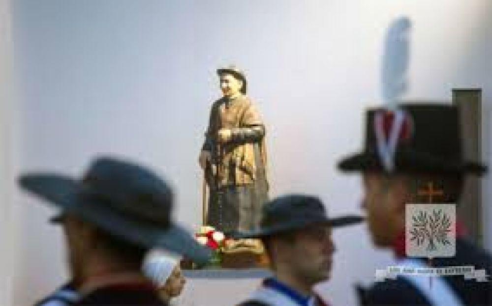 Mons. Olivera aprobó la elección del Santo Cura Brochero como patrono de una Fuerza del Ejército Argentino