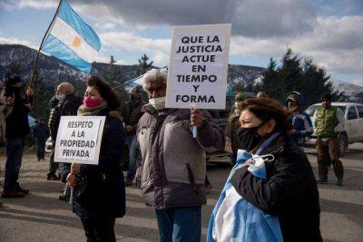 """Los intendentes del PJ condenaron las tomas """"ilegales"""" en el conurbano y pidieron que el Estado sea """"firme"""""""