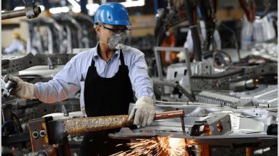 Primeras medidas: el Gobierno vuelca $ 455.000 millones en créditos para apuntalar la industria