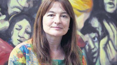 """Estela Díaz: """"Hay una deuda de revalorizar las voces de las y los sobrevivientes"""""""