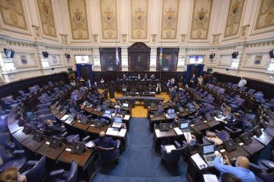 Habilitan por ley transferencia de fondos nacionales a municipios para obras