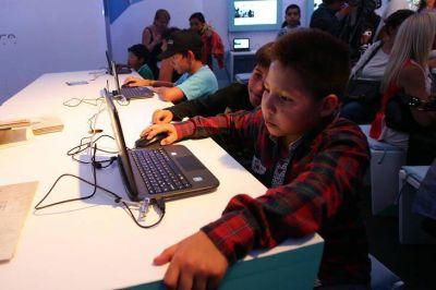 Al final, Nación propuso hacerse cargo del costo de las computadoras para los alumnos de CABA