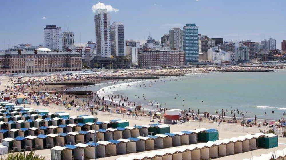 ¿Habrá temporada de verano? Las estrategias que diseñan Axel Kicillof y los intendentes para habilitar el turismo en la costa