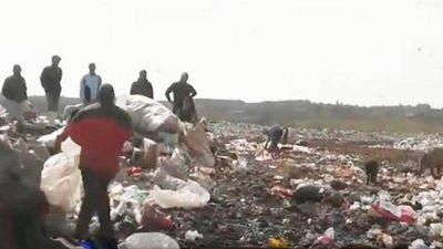 Un hombre fue embestido por un volcador de residuos en el basural de Concordia