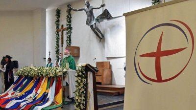 """Chile. Monseñor Aós: """"Para el migrante, la patria es la tierra que le da el pan"""""""