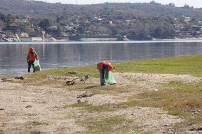 Limpieza de la Costanera: juntan más de dos camionadas de basura por día