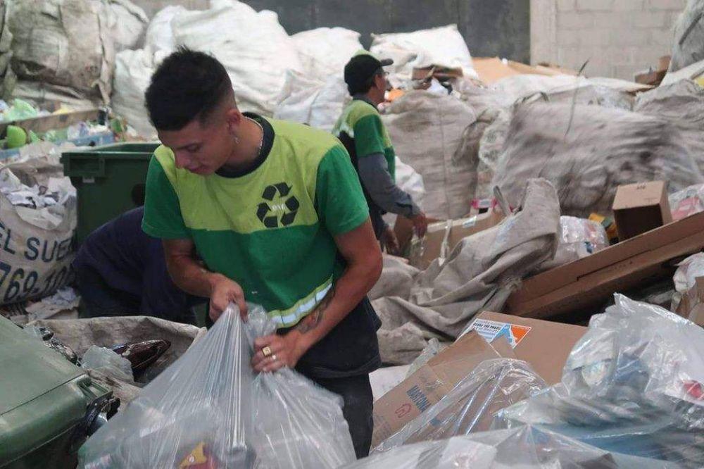 Otra vuelta de tuerca al reciclado: cooperativistas y vecinos se organizan para separar residuos