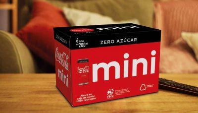 Coca-Cola cambia por cartón el embalaje de sus packs y elimina las anillas de plástico que agrupan las latas
