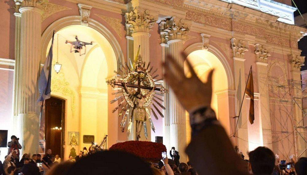 Gustavo Sáenz tampoco participará de la procesión del Milagro