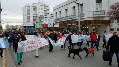 El reclamo de la Policía Bonaerense se trasladó al interior del país con protestas de las fuerzas de siete provincias