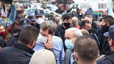 Marineros y aceiteros repudiaron el accionar policial frente a las casas de gobierno de Provincia y Nación