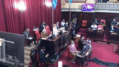 El oficialismo se retiró del recinto y la oposición nombró 41 funcionarios judiciales