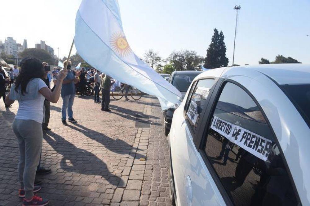 Organizaciones sindicales y sociales privilegian evitar más muertos por Covid antes que volver a la calle