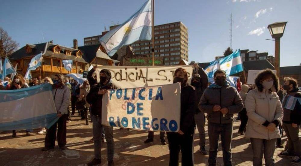 También Río Negro anunció un aumento para apagar un levantamiento policial