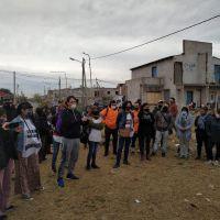 Suteba La Matanza llevó su solidaridad a vecinos de la toma de Los Ceibos