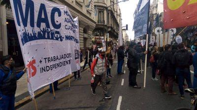 Protesta de trabajadores del neumático por aumento salarial