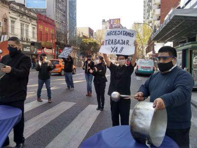 Gastronómicos pidieron la reactivación del sector con protestas en todo el país