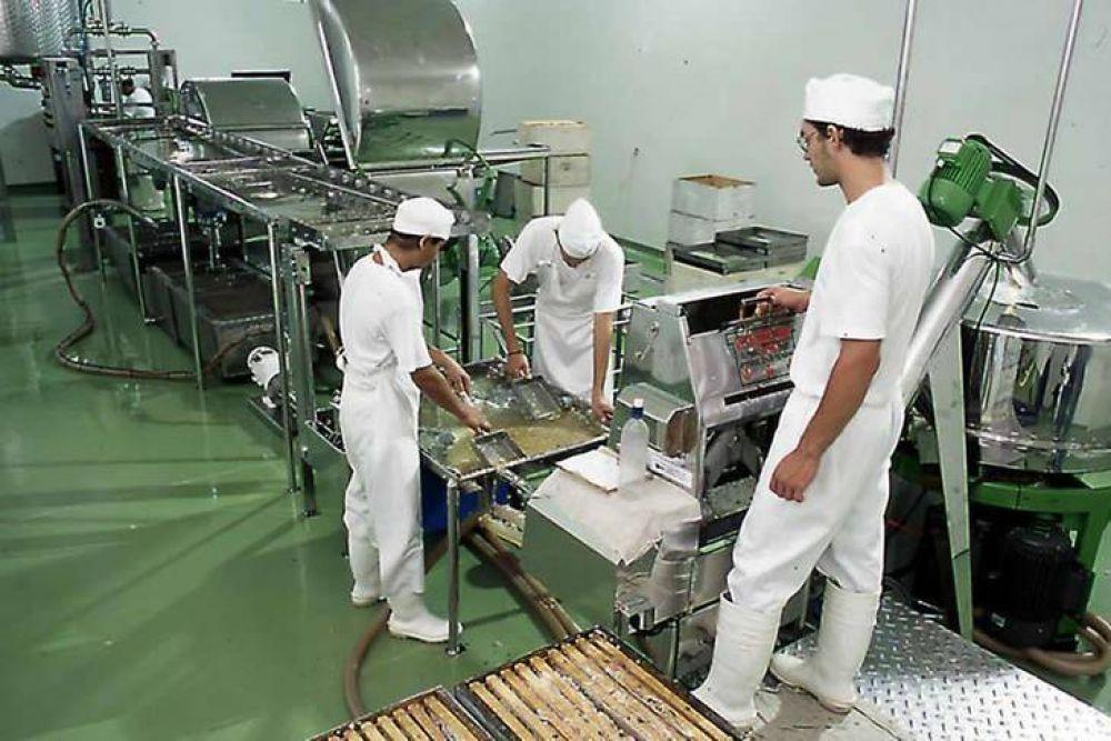 El ministerio de Trabajo extendió el subsidio a cooperativas por un mes más