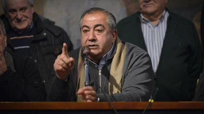 Daer dijo que la CGT evaluó marchar a favor de la democracia en el marco del levantamiento policial