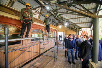 Comenzaron a restaurar el Tren Presidencial que se encuentra en la Quinta 17 de Octubre de San Vicente