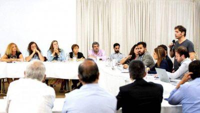 Semana de paritarias: Provincia convocó a estatales, docentes y judiciales