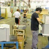 Unos 400 trabajadores echados durante el macrismo fueron reincorporados en empresas de electrodomésticos del sur de Rosario