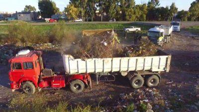 Operativo de limpieza: retiraron más de 400 metros cúbicos de basura en Viedma