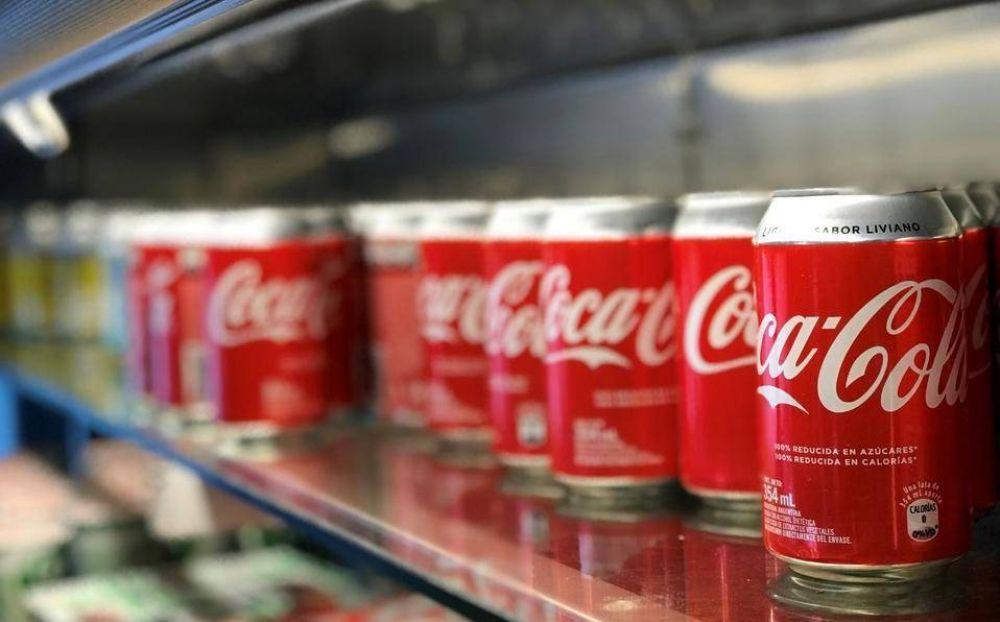 Coca-Cola se compromete a reducir calorías de sus refrescos y otras bebidas