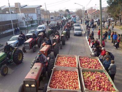 Un instituto frutícola, la esperanza de los pequeños productores