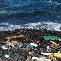 Tsunami de basura cubre playa de Honduras y tensa relaciones con Guatemala | Fotos, vídeos