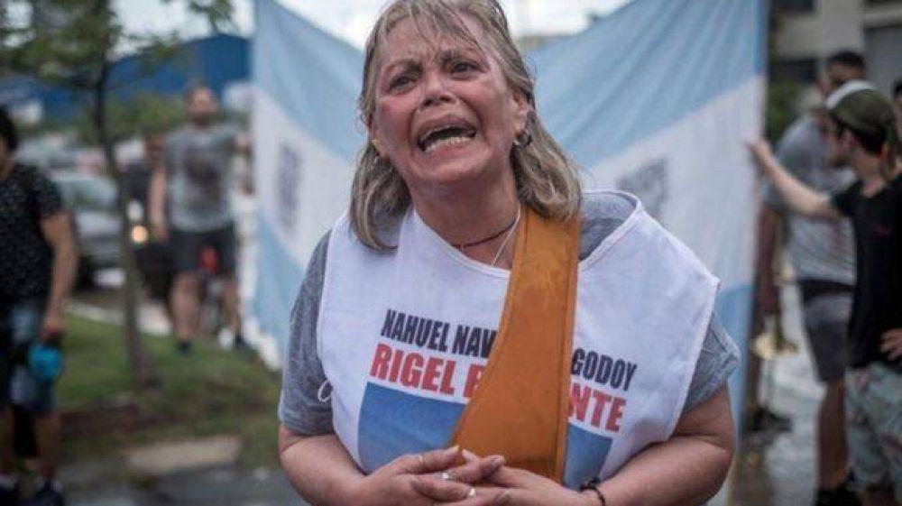 """Familiares del Rigel: """"No tenían plata para buscar los cuerpos pero sí para espiarnos"""""""