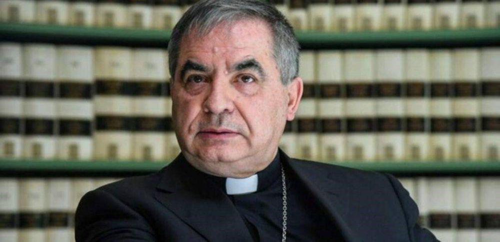 """Becciu califica como """"surrealista"""" que el Papa le haya pedido la renuncia"""