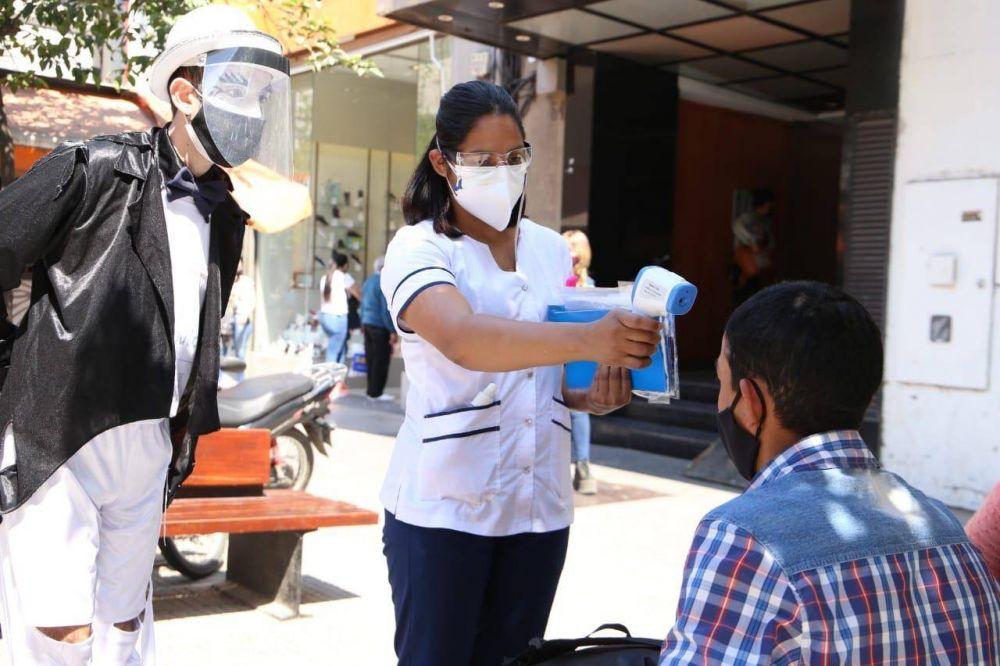 Así evolucionó la pandemia en Tucumán: la curva de contagios y de muertes por coronavirus