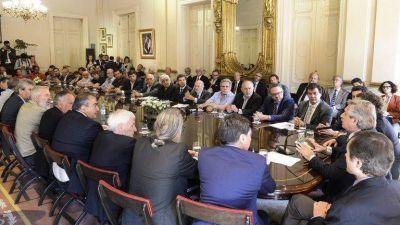 El desempleo prende luces amarillas: el Gobierno invitará a la CGT a sumarse al gabinete socioeconómico