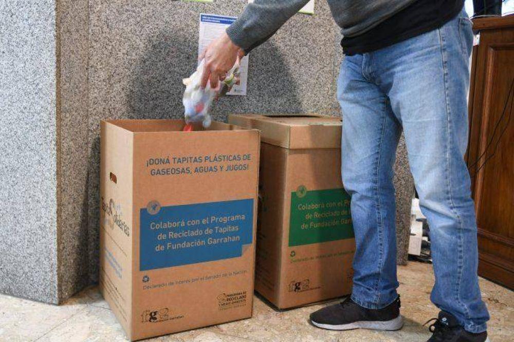 San Fernando colabora con el Hospital Garrahan en el reciclaje de papel y tapitas de plástico