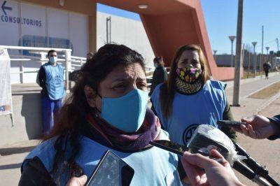 Panfleteada y junta de firmas por los precarizados de Salud
