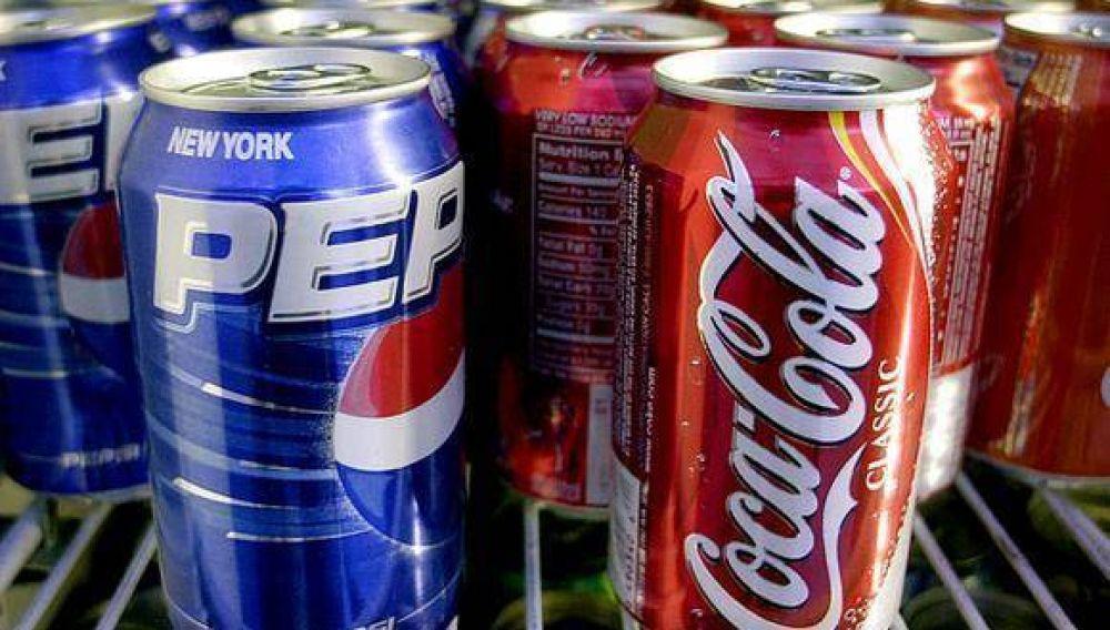 Informe revela la mayor reducción de calorías en bebidas en tres años en EE.UU.