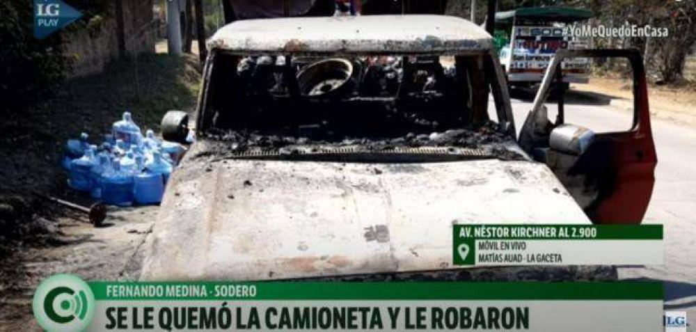 Se le prendió fuego la camioneta y le robaron bidones y envases de soda