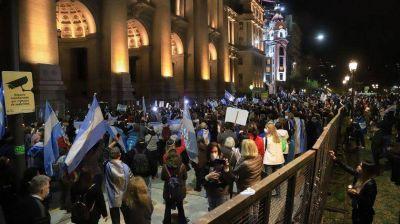 Con la Corte de fondo, el kirchnerismo reedita la pelea con Clarín