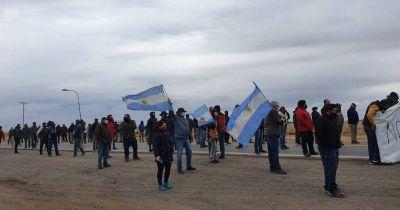 Productores autoconvocados cortan los accesos a San Luis